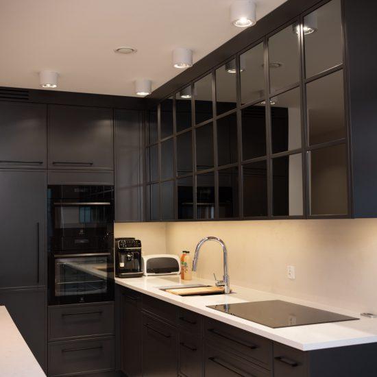 Fronty kuchenne z lustrem